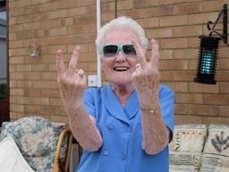 Изображение - Поздравления бабушке на 70 лет c4f0c0